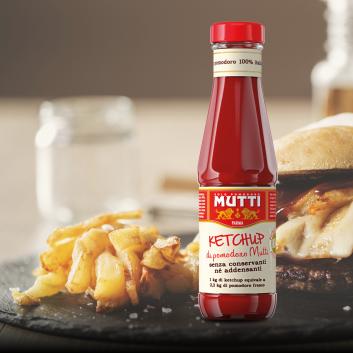 batata frita com ketchup mutti
